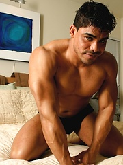 Very hot butt worship set of this stud on hotel bed