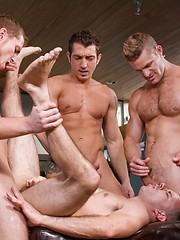 A lot of cocks on one lucky gay hole and mouth