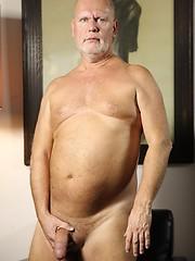 Old daddie Kurt Shaw jacking off his cock
