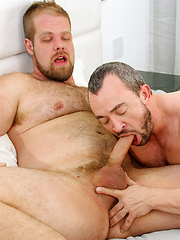 Eric Schwanz Takes Bryan Knight's Uncut Raw Cock