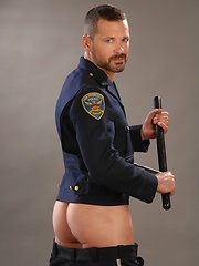 Police gay waiting for free hole