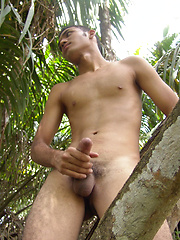 Tomas gets back to nature with a jerk-off session