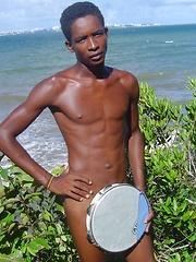 HMBoy Marcio tropical paradise