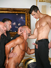 Muscled hunks fucking each other