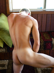 Introducing new Helix Russian stud Dalton Briggs in his sexy solo debut